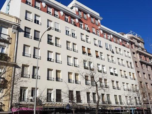 Rehabilitación de fachada en la calle Narvaez